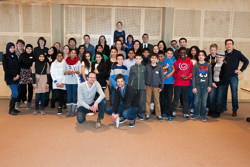 Haagse leerlingen brengen interessant bezoek aan het ministerie van ...: imcweekendschool.nl/uncategorized/haagse-leerlingen-brengen...