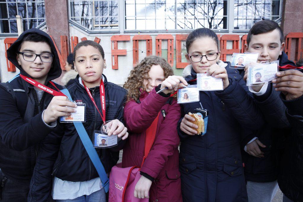 Rotterdam 09-01-2016 - weekendschool fotoreportage gemaakt door Bunyamin en Majda - bij de Fenix Food Factory op Katendrecht. fotografie: Sanne Donders
