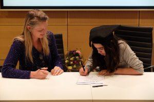 Ondertekenen weekendschool diploma Amsterdam Noord